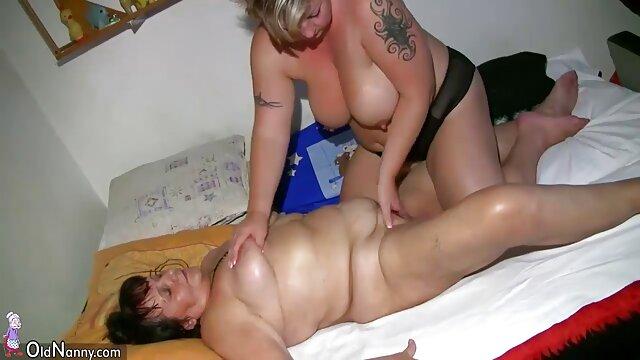 خواهر ناتنی به دلیل سرقت جواهرات برای تماشای کامل مجازات می شود. 8 فیلم سوپر سکسی تارزان