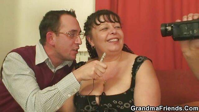 مو بور انگلیسی ، اولین فیلم کوتاه سکسی سوپر جشن مهمانی بوکاکه