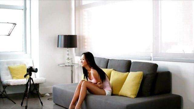 ورونیکا از سایت فیلم سکسی سوپر پورتال 18. کاملاً در اتاق است
