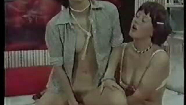 میهو آیکاوا در واژن عکس سکسی یا سوپر موی خود ویبراتور پیدا می کند