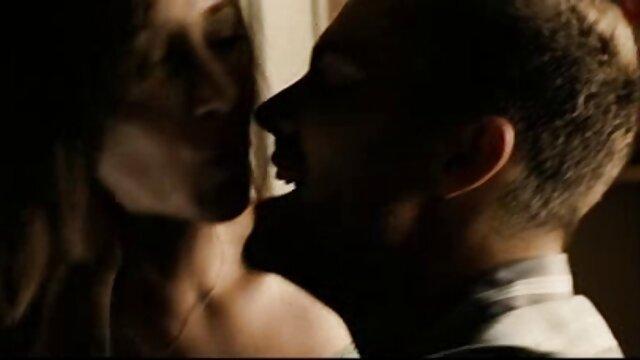 من فیلم سوپر دوجنسه متعجب از سونامی ویرجین ویرجین از طریق غنیمت بر روی پوست! 13805