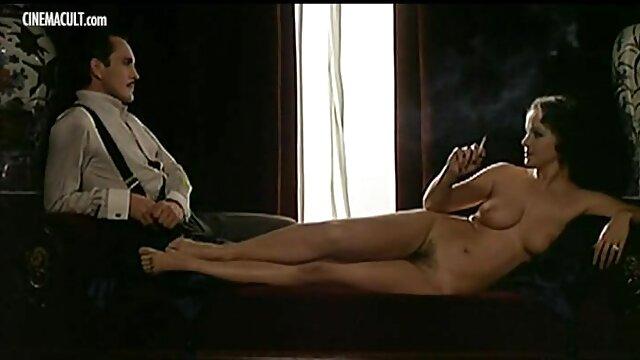 بازی جنسی شدید روی دوربین با مشارکت مشترک الاغ داغ سایت سوپرسکسی