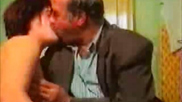 - اوا لوویا توسط Xander Corvus سوپر سکسایرانی در دستشویی ضربه می خورد