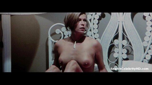 نوجوان لزبین لاغر پخش سوپر سکس آلمانی دوست دختر خود را لوس می کند