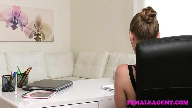 مادر آنا مقعد انجام سکس سوپر ویدیو می دهد