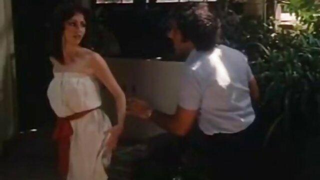 لکسی دون مقعد دانلود فیلم سوپر زوری بعد از کار یوگا عرق کرده بود