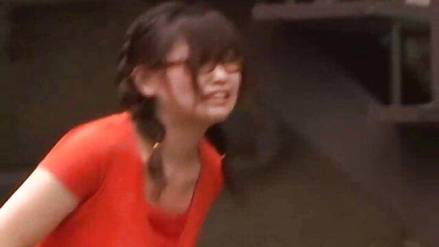 ناتاشا به طور طبیعی پر هیاهو الاغ بیدمشک خود دانلودسکسی سوپر را بازی می کند
