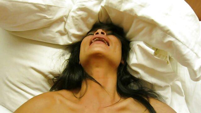 و عروسم بیدارم فیلم سکسی سوپر شهوانی می کند
