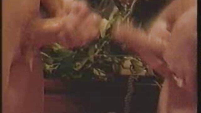 سرخ با آب دانلود فیلم سوپر کم سن اسباب بازی خرگوش بازی می کند