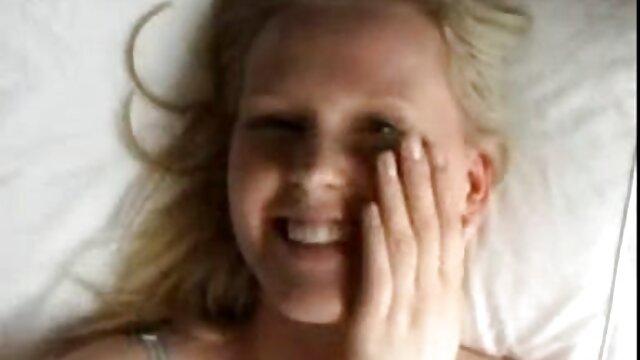 دختر استپ و مادر برای یک خروس دانلودفیلمسوپر سکسی هیجان زده هستند