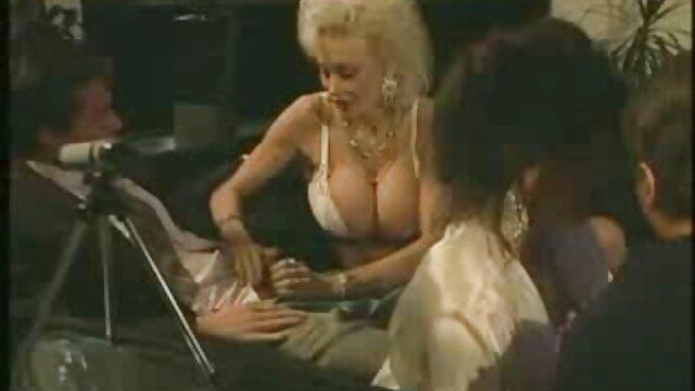 آب نبات های بلوند انگلیسی عاشق بی بی سی فیلم سکسی سوپر هستند