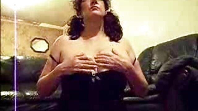لیز Rainbow اسپانیایی سکس وفیلم سوپر جعلی اسپانیایی عاشق استمنا anal مقعد در حالی که لعنتی است